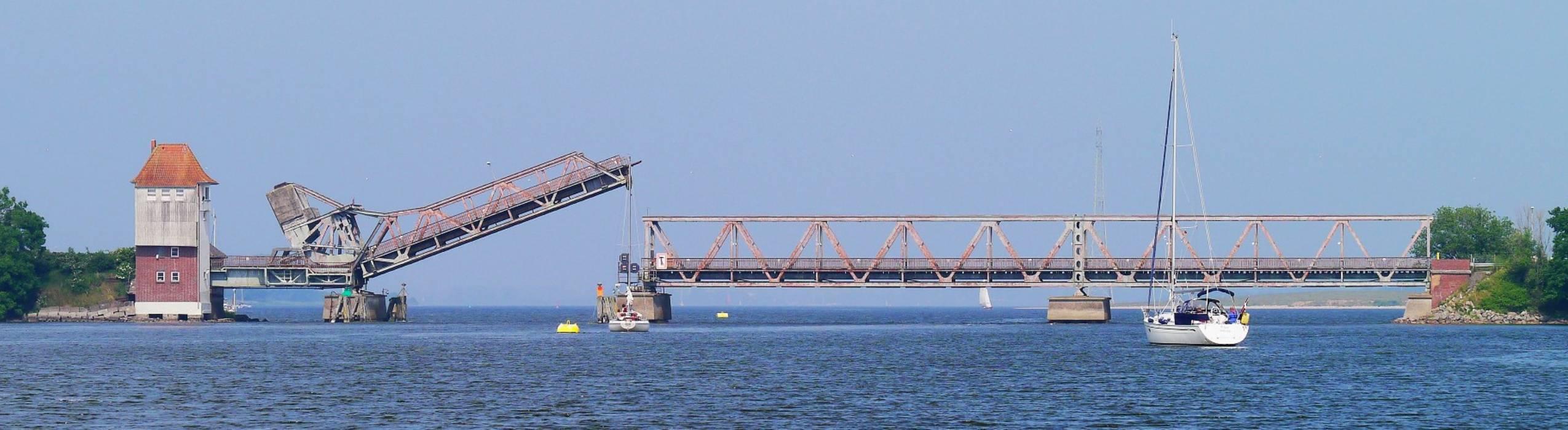 Eisenbahnbrücke in Lindaunis über die Schlei